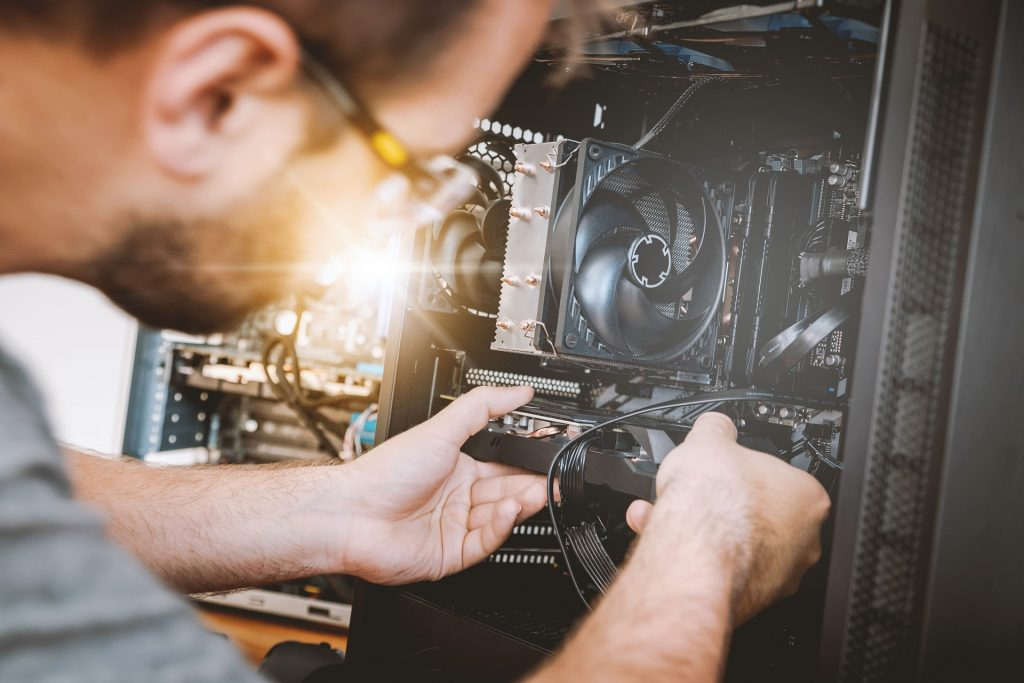 What You Need To Know Before You Start Your Own Computer Repair Business